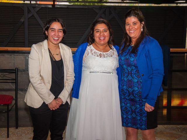 El matrimonio de Óscar y Marcela en Sagrada Familia, Curicó 2