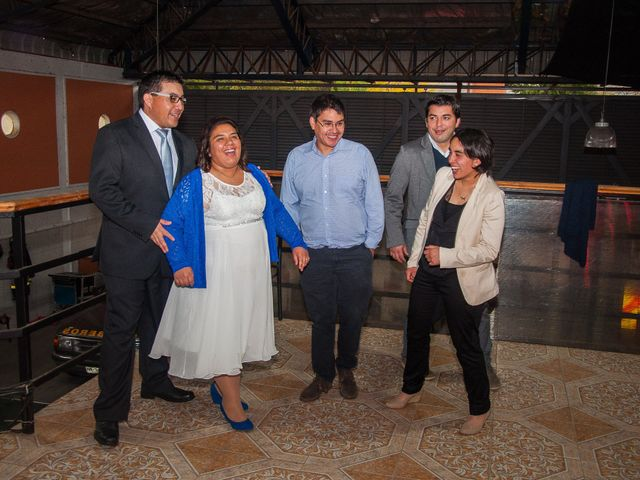 El matrimonio de Óscar y Marcela en Sagrada Familia, Curicó 30