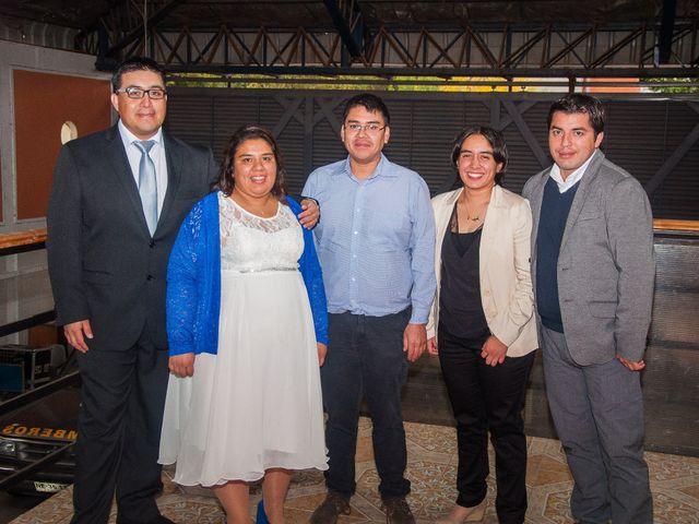 El matrimonio de Óscar y Marcela en Sagrada Familia, Curicó 32