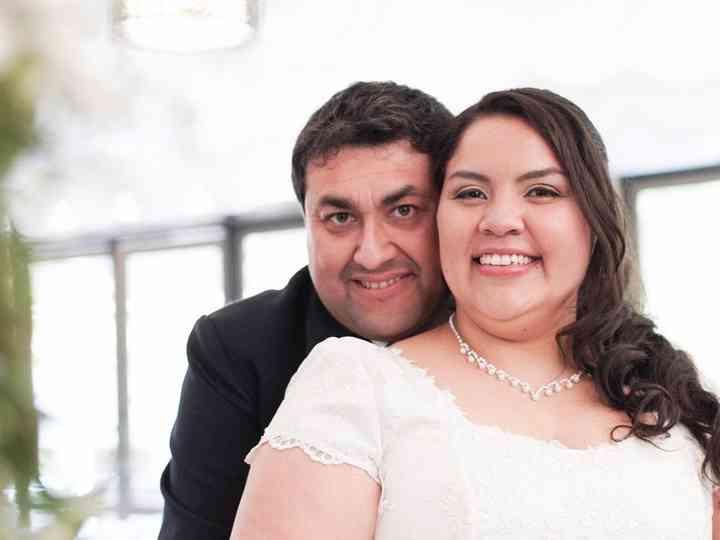 El matrimonio de Carlos Taucano y Andrea Flores