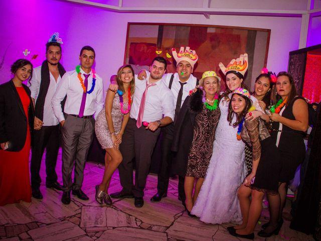 El matrimonio de Renzo y Claudia en Santiago, Santiago 83