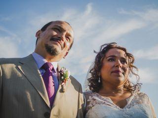 El matrimonio de Gino Grondona  y Mónica Varela