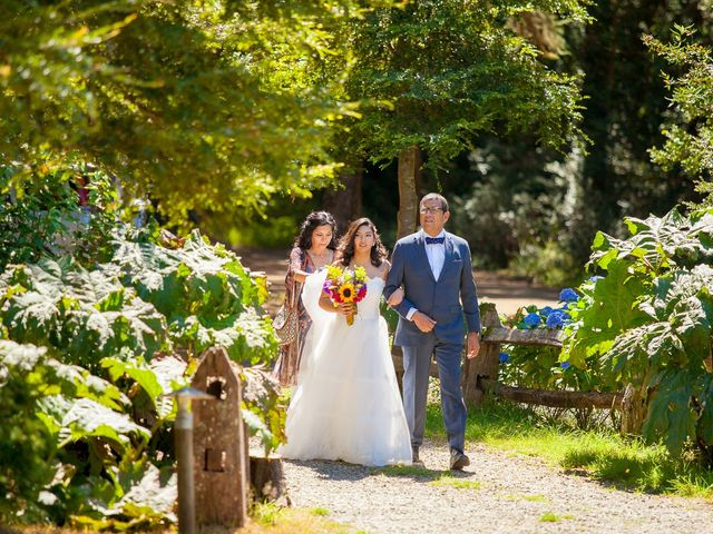 El matrimonio de Sebastián y Lya en Puerto Varas, Llanquihue 35