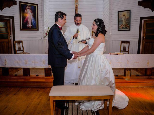 El matrimonio de José y Paola en Puerto Varas, Llanquihue 18