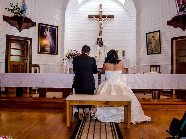 El matrimonio de José y Paola en Puerto Varas, Llanquihue 25