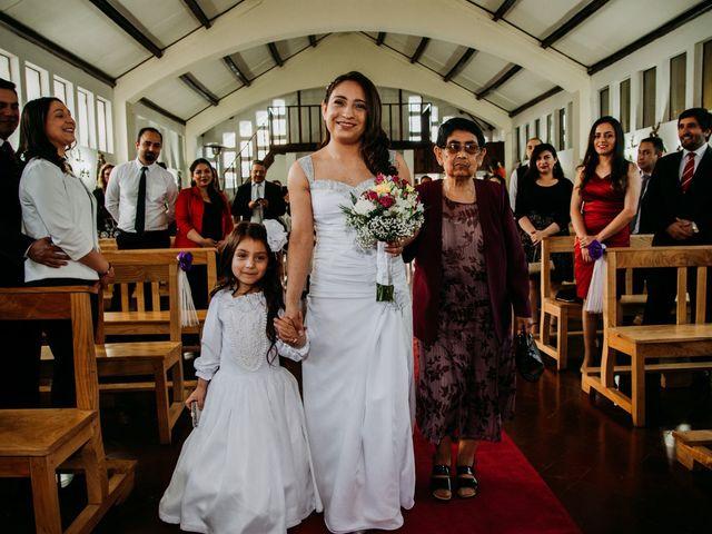 El matrimonio de Víctor y Yasmín en Linares, Linares 33