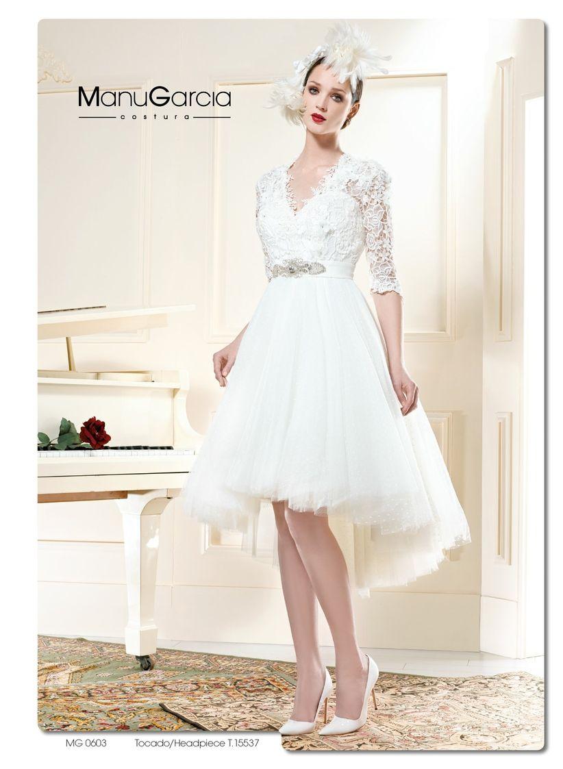 bdee4d15c7716 Pero los vestidos midi también quedan geniales en propuestas más  vanguardistas y sofisticadas