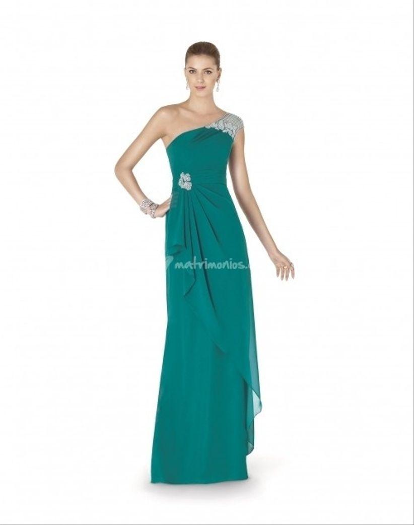 Sin duda que la colección de vestidos de fiesta de Pronovias para 2015 no  dejará indiferentes a las invitadas al matrimonio. Y a ti 611583061612