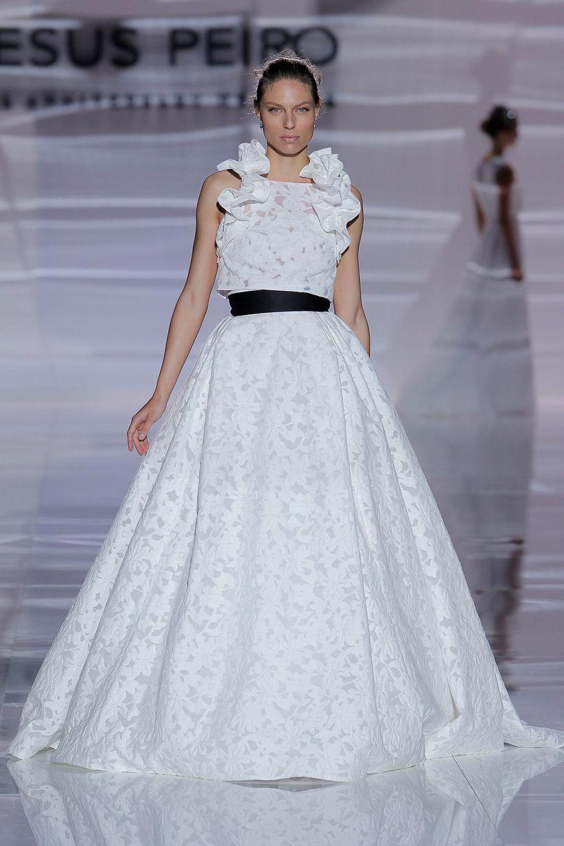 Vestidos de novia 2019 de Jesús Peiró en la Barcelona Bridal Fashion ...