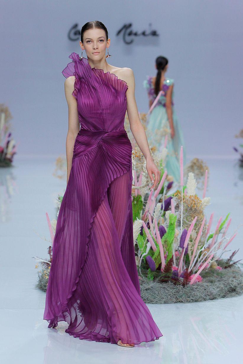 Asombroso Vestido De Novia Fluidas Ideas Ornamento Elaboración ...