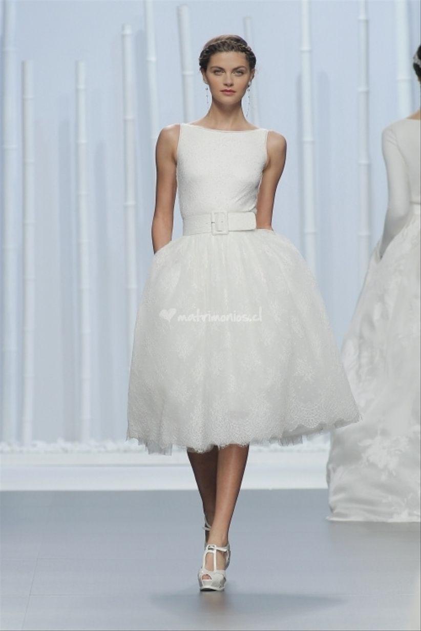 e1cf0ec359b03 Un look también romántico y juvenil es el que nos propone el vestido de  Aire Barcelona