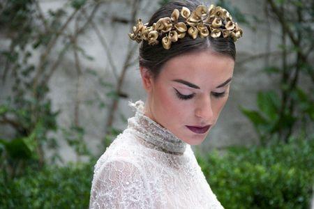 30 peinados de novia con tiara: ¡Pasión por los accesorios!