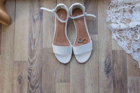 Zapatos de novia planos, de yute o colores: ¿Tendencia o comodidad?