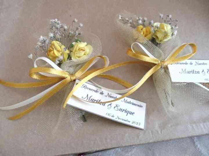 Encintados De Matrimonio Y Otros Recuerdos Para Regalar A Sus Invitados
