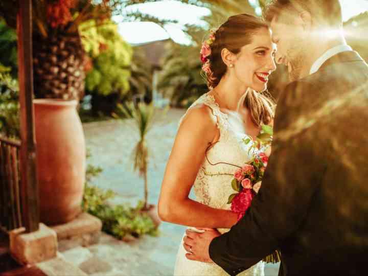 Consigan maravillosas fotos de matrimonio en la hora dorada
