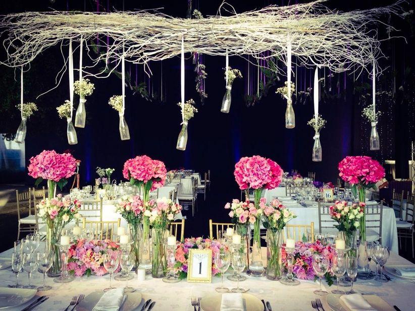Ideas para decorar la mesa de novios for Decoracion de pared para novios