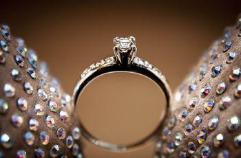 40 anillos de compromiso solitarios para una pedida de mano con tradición