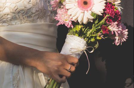 Pañuelos de la abuela para el ramo: el toque vintage