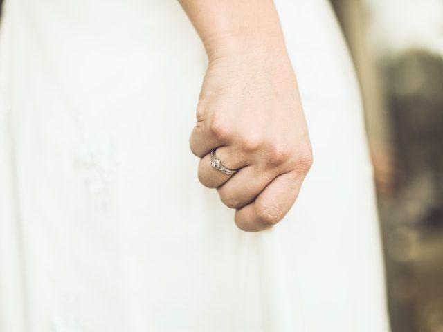10 curiosidades sobre el anillo de compromiso que no conocían