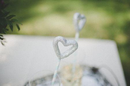 Aplicaciones glitter para una decoración de matrimonio chic