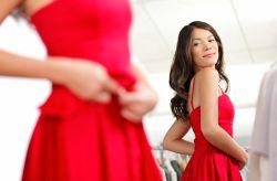 15 vestidos rojos para lucir perfecta como invitada