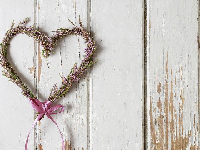 DIY: corazón de flores para decorar su matrimonio