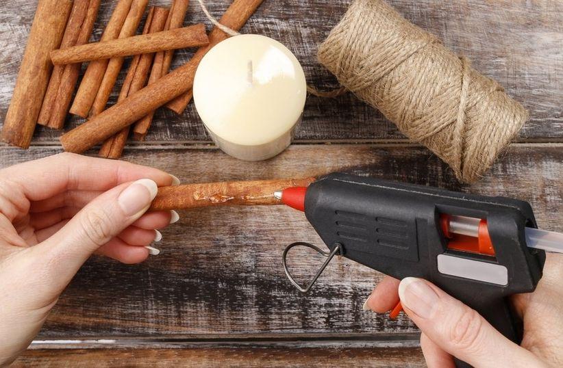 Decora tus velas con canela para aromatizar tu matrimonio for Oggetti fai da te casa