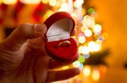 5  formas de pedir matrimonio en Navidad