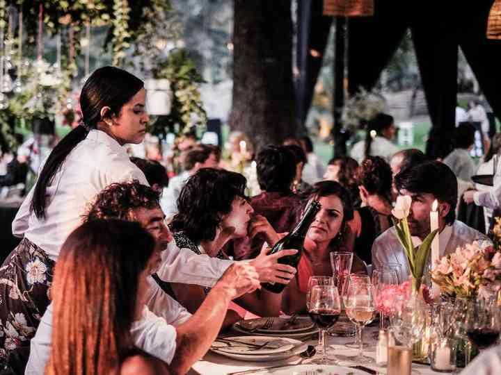 Banquete de matrimonio sin protocolo de mesas