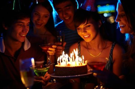 Ideas para sorprender a los invitados que estén de cumpleaños en tu matrimonio