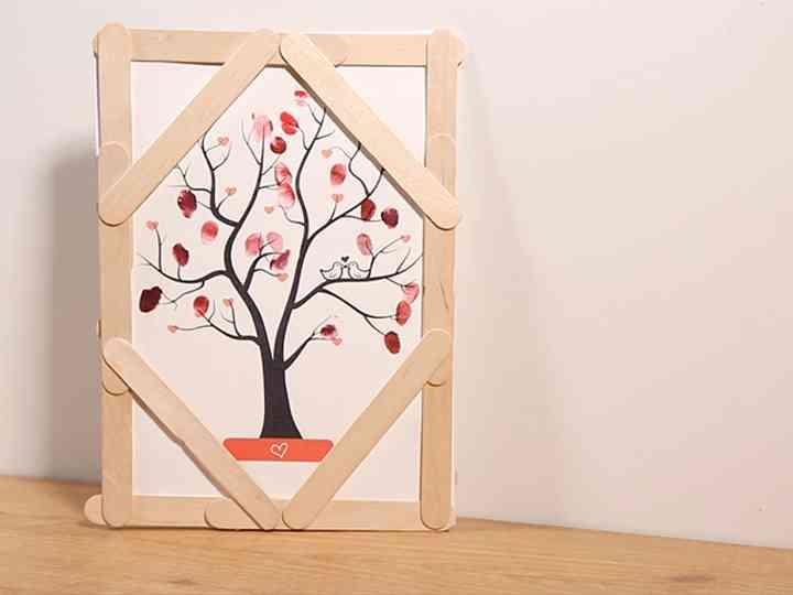¡Personaliza tu propio árbol de huellas DIY!