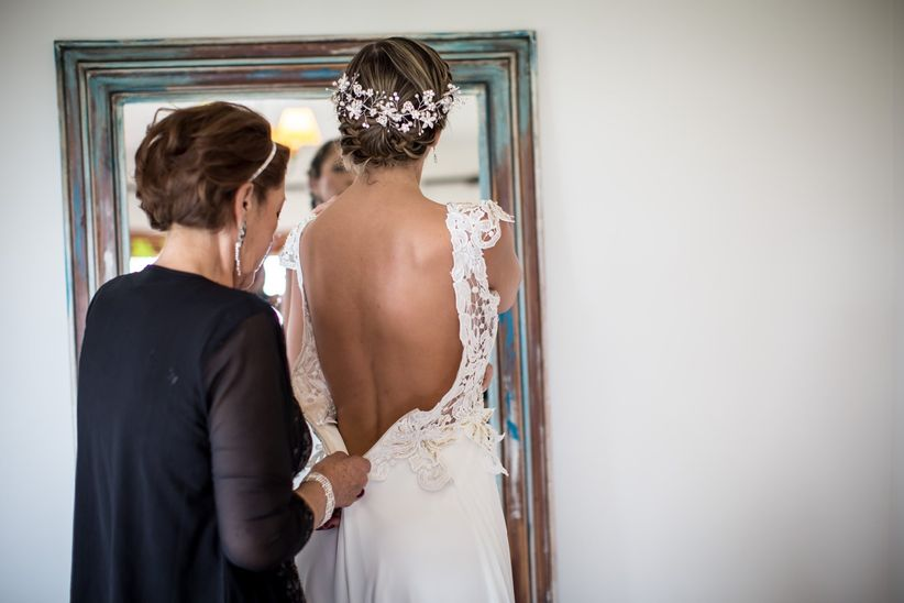 6 personas que no debes llevar a tu prueba de vestido de novia