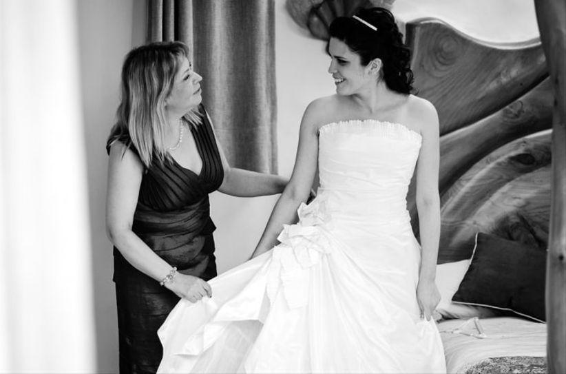 Cuanto puede costar un vestido de novia a medida boda - Cuanto puede costar tapizar un sofa ...