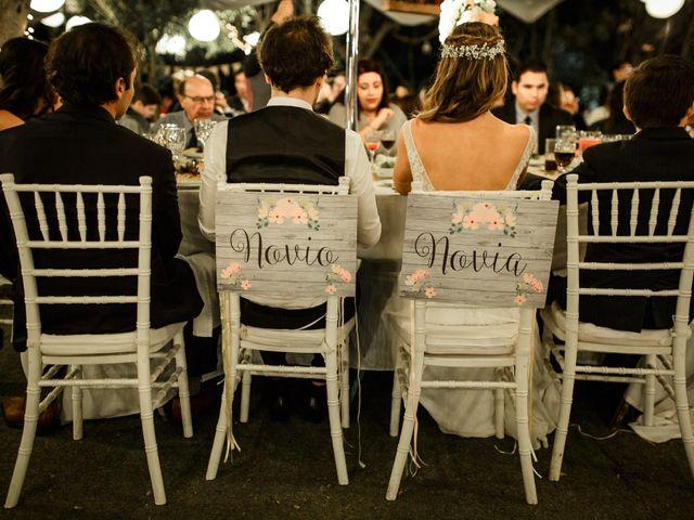 ¿A quién sentar en la mesa de los novios?