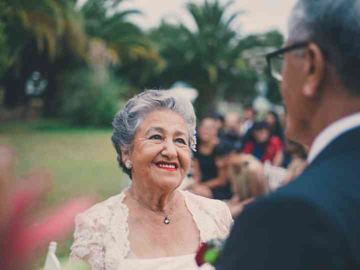 Celebrar Las Bodas De Oro Feliz Medio Siglo De Amor