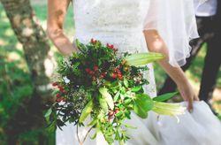C�mo llevar el ramo de novia