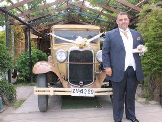 Royal Antique Car 4