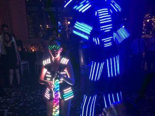 Hombre Led - Show Robot 4