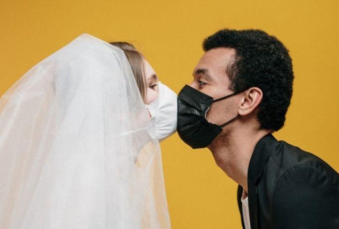 Bodas con mascarillas y distanciamiento social - 12