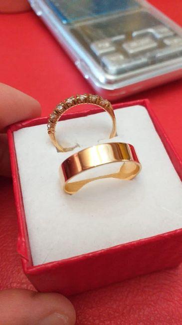 ✨ ¡Muéstranos tu anillo! 3