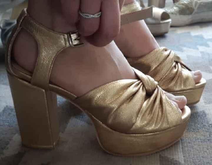 Zapatos Dorados - 1