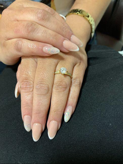 ¿En qué mano se pone el anillo de casad@? 2