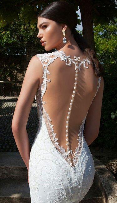 Vestido con botones en la espalda n. 4 - Berta Bridal