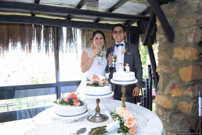 5 fotos con la torta de novios, ¡VOTA! 3