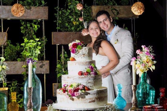 5 fotos con la torta de novios, ¡VOTA! 5