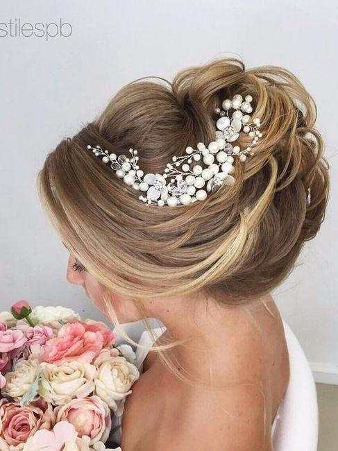 Tocados para una novia elegante for Tocados elegantes para bodas