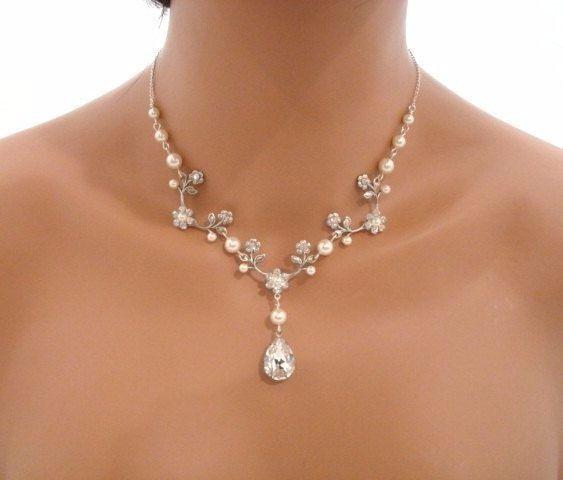 Elige el collar de novia inspirado en Barbie 3
