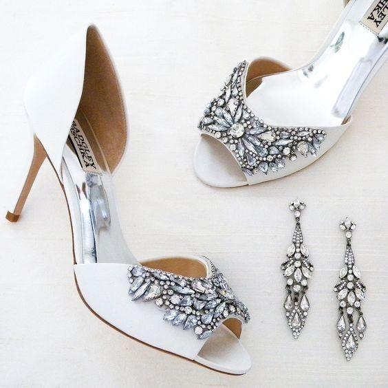 2136c04cbf76 Zapatos con bisutería  ¿A cuál le dices SÍ QUIERO  6