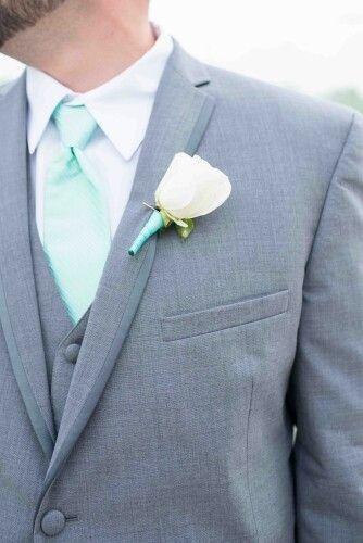 Combinar a gravata com o boutonniere? Claro que sim! 🤵🏽 5