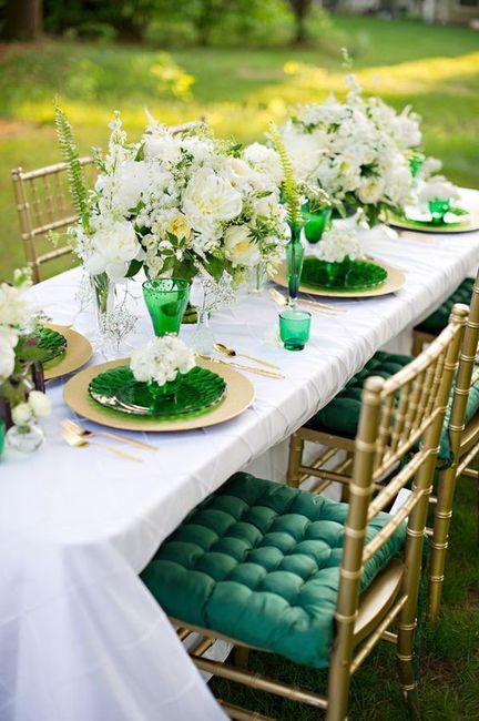 Verde esmeralda y dorado como colores de matrimonio 2